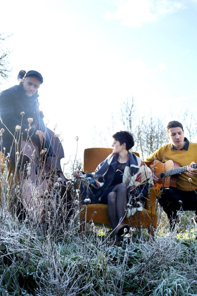 Petite Fleur Trio 9