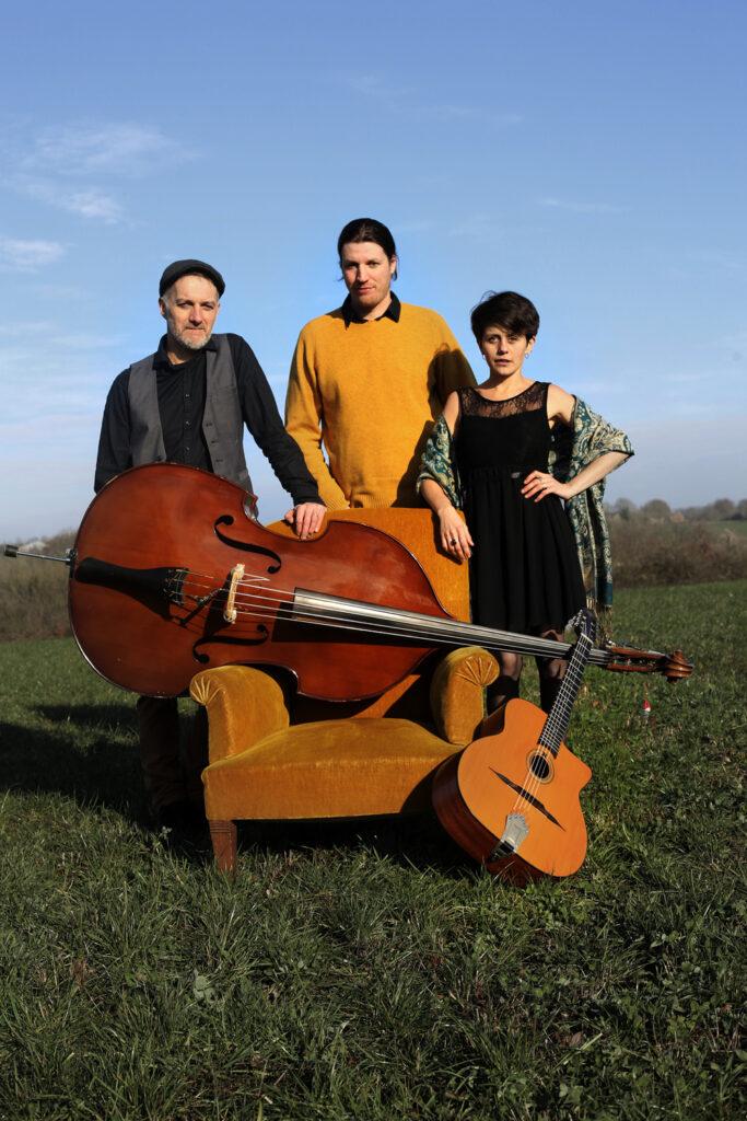 Petite Fleur Trio 1